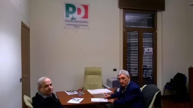 Bassolino_consegna_firme